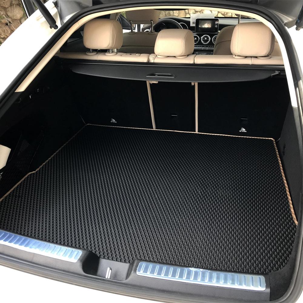 שטיח לתא המטען שחור עם מסגרת בז'   גלריית תמונות של שטיחים לרכב