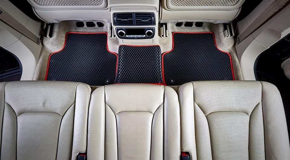 רכב עם שטיחי SASA
