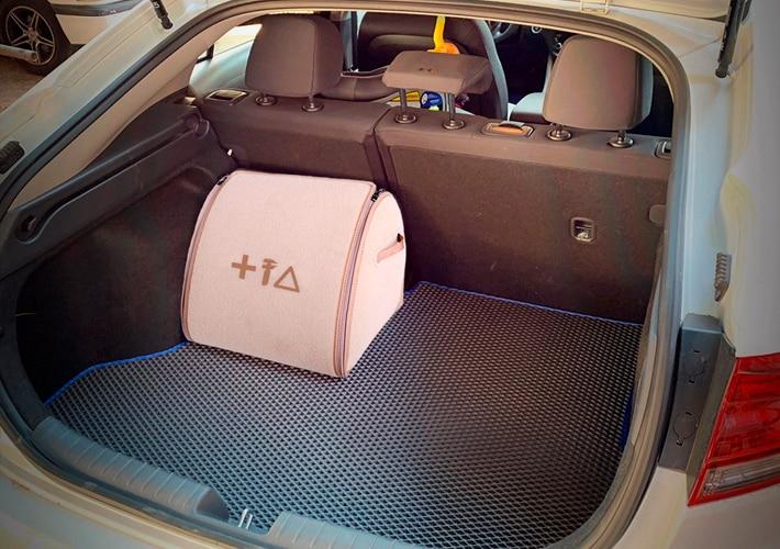 ארגונית לתא מטען הרכב בצבע בז' ברמת גימור פרמיום